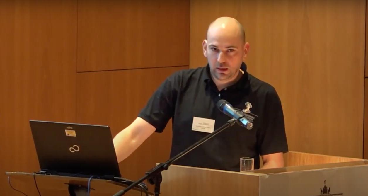 Bogdan Filip Zerek et al.: Microbiological sampling of library objects